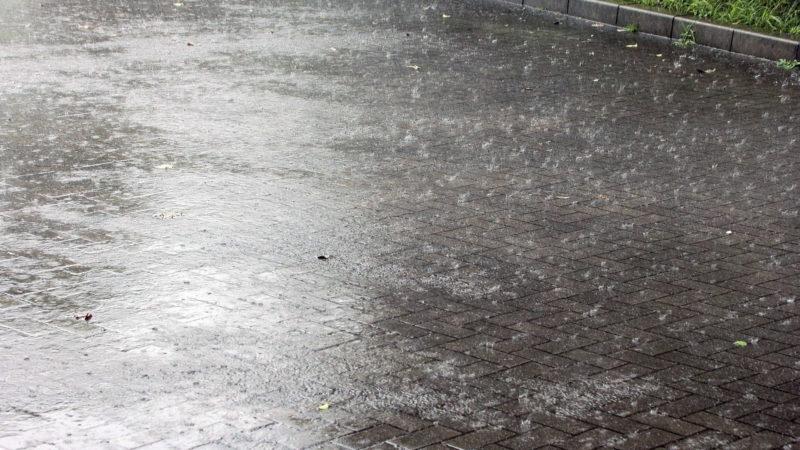 風雨による前方の視界不良